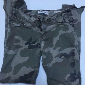 Women's bullhead camo jeans-size 5